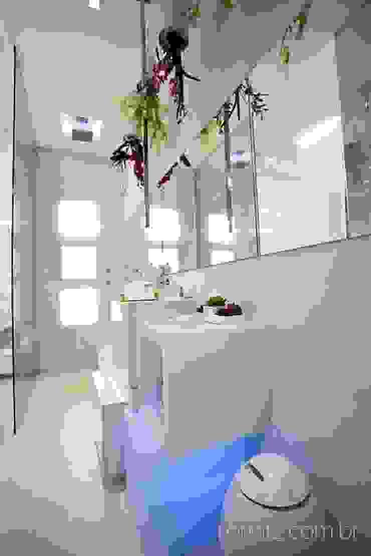 Banheiro do Loft do Futuro Banheiros minimalistas por Espaço do Traço arquitetura Minimalista