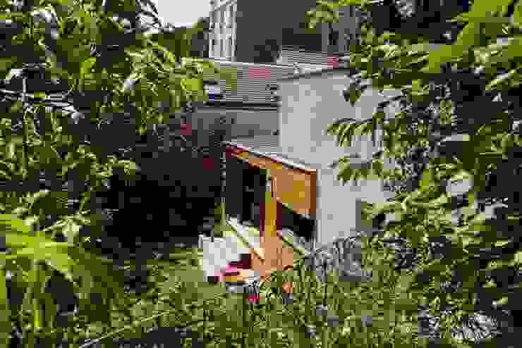 Le jardin Jardin moderne par MELANIE LALLEMAND ARCHITECTURES Moderne