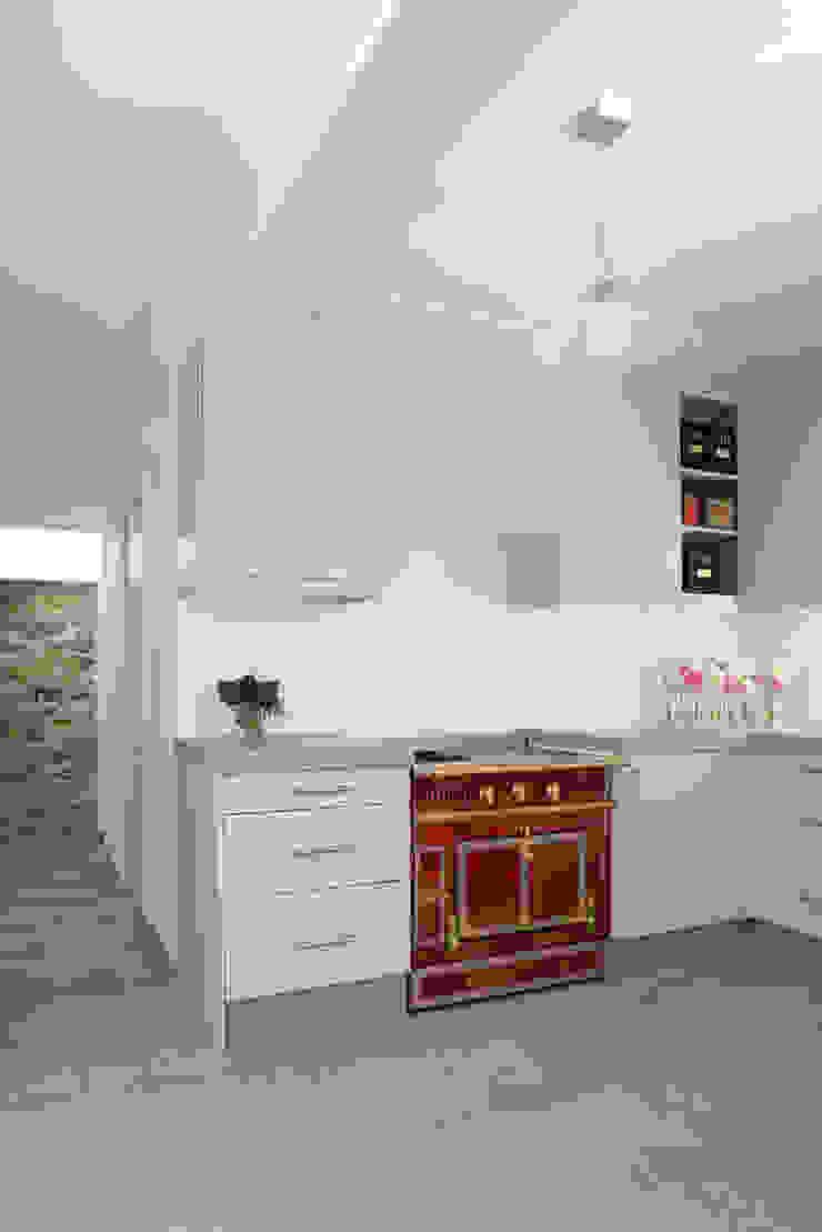 La cuisine Cuisine moderne par MELANIE LALLEMAND ARCHITECTURES Moderne