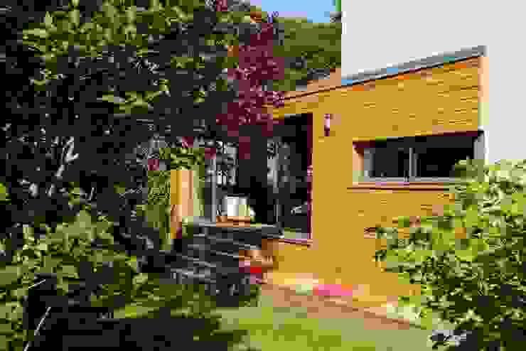 Le jardin Maisons modernes par MELANIE LALLEMAND ARCHITECTURES Moderne