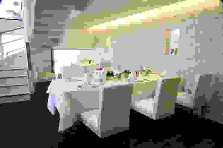 Restaurant&wedding sunmario オリジナルな商業空間 の INTERFACE オリジナル