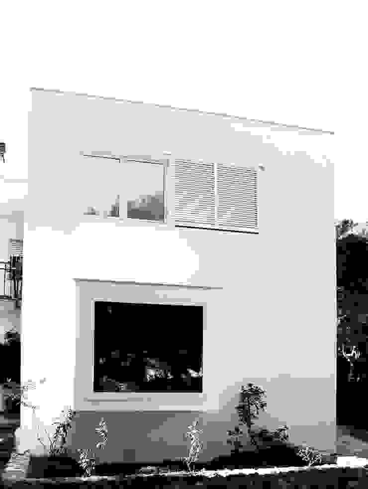 Vista Exterior Casas de estilo mediterráneo de LaBoqueria Taller d'Arquitectura i Disseny Industrial Mediterráneo