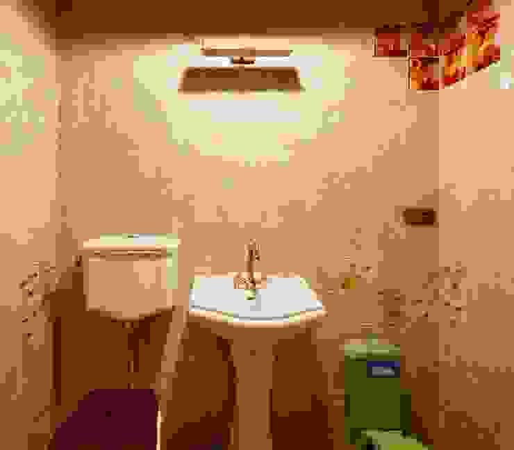 Дом в деревне Ванная комната в стиле кантри от Хандсвел Кантри