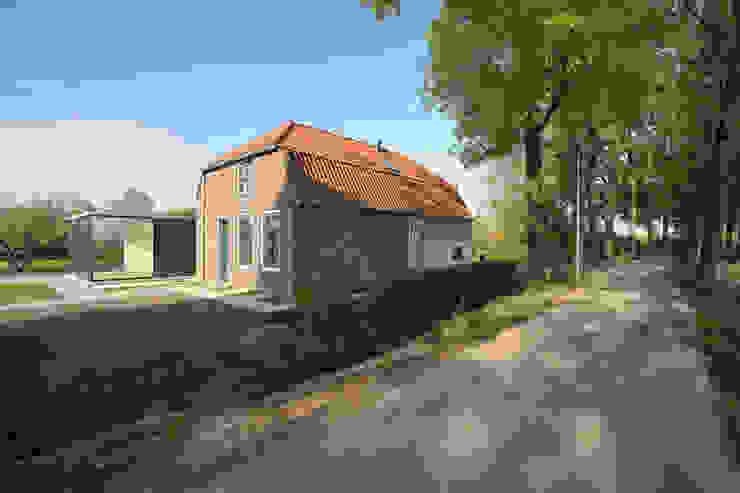 Woonboerderij Acht 5 Landelijke huizen van RESET ARCHITECTURE Landelijk