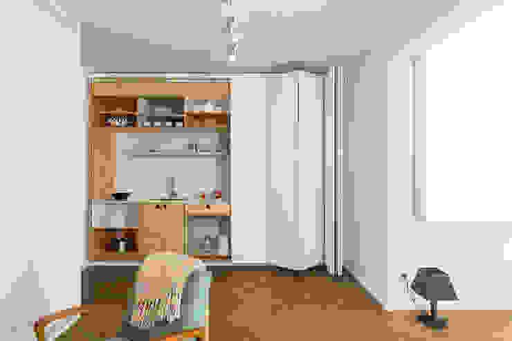Apartment v01 Modern kitchen by dontDIY Modern