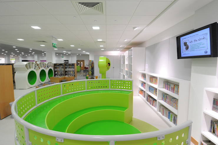 Children's area - High Wycombe Library Salt and Pegram Dükkânlar