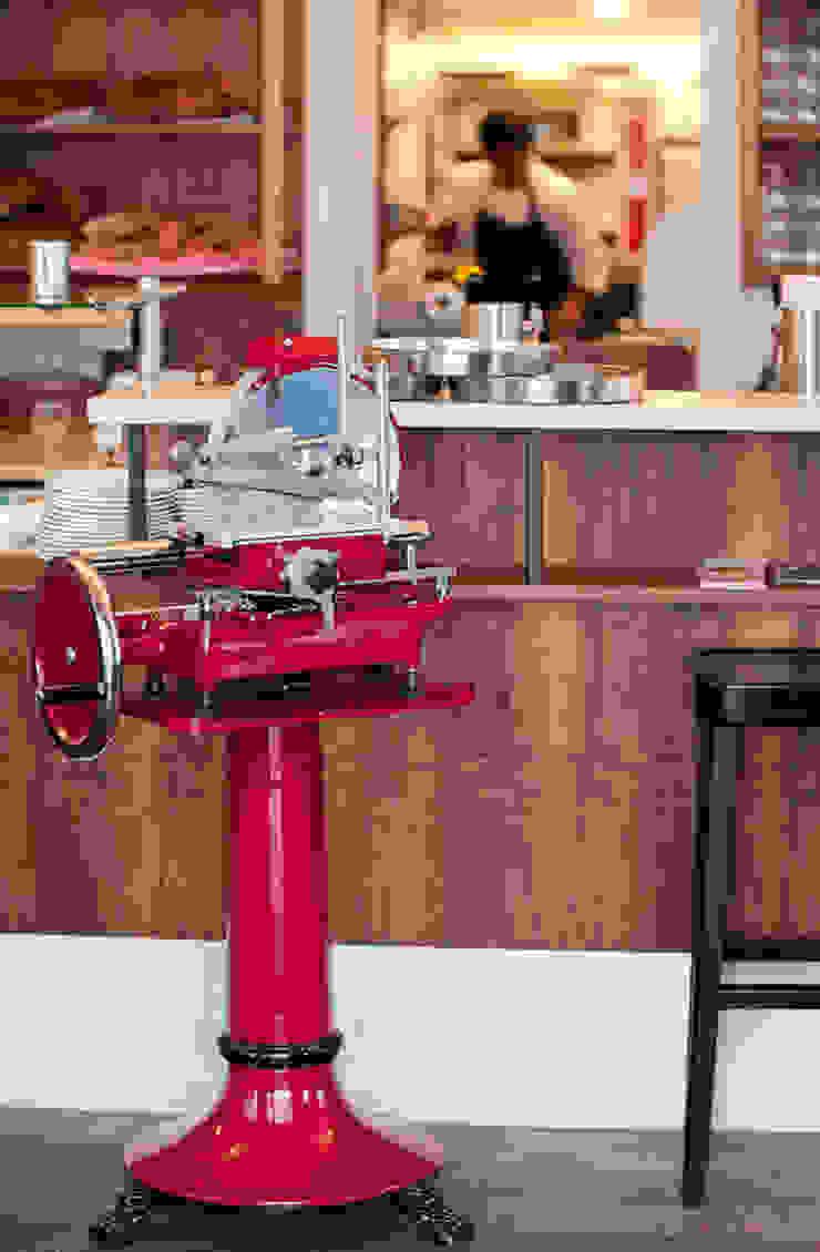 Bar Centrale - nachhaltige Gastronomie Industriale Gastronomie von Colourform Industrial