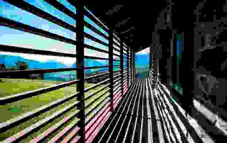 DETTAGLIO 02 Balcone, Veranda & Terrazza in stile eclettico di ARCHITETTO ALESSANDRO PASSARDI Eclettico