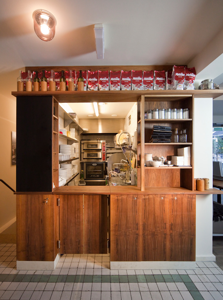 Bar Centrale - nachhaltige Gastronomie Rustikale Gastronomie von Colourform Rustikal