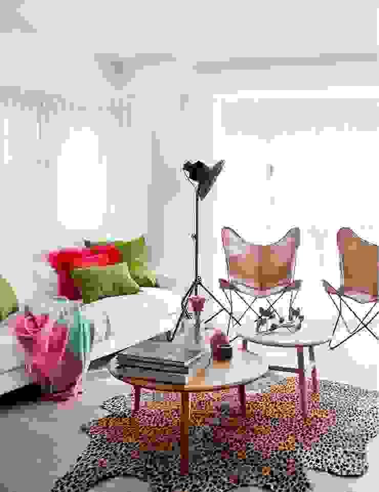 Salas de estar industriais por Disak Studio Industrial