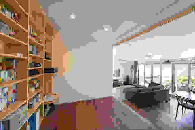 Zig Zag 読書スペース モダンデザインの 多目的室 の キリコ設計事務所 モダン