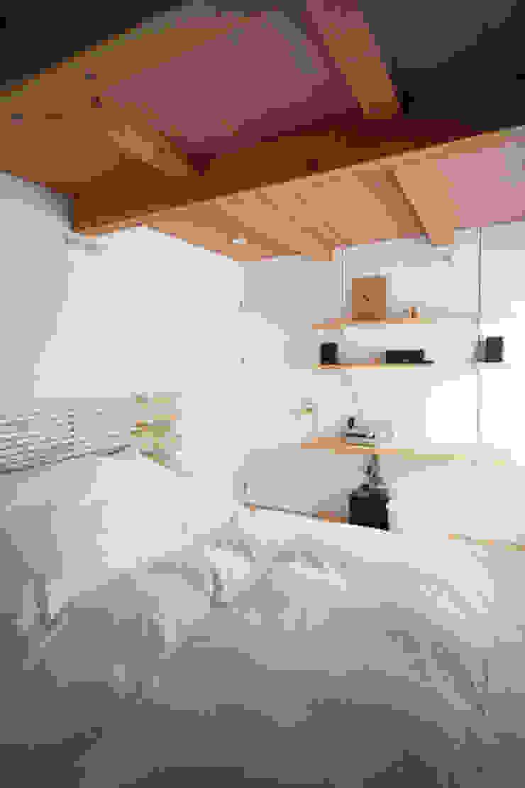 Zig Zag 寝室 北欧スタイルの 寝室 の キリコ設計事務所 北欧