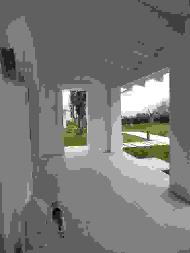 _c a s a  A S_ Balcone, Veranda & Terrazza in stile mediterraneo di RO a_ Mediterraneo