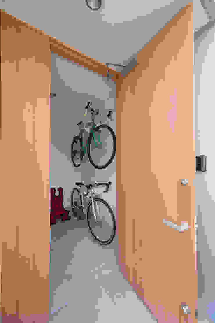 Zig Zag 玄関 モダンな 窓&ドア の キリコ設計事務所 モダン