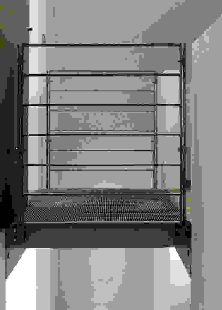 Architekten Lenzstrasse Dreizehn Industrial corridor, hallway & stairs