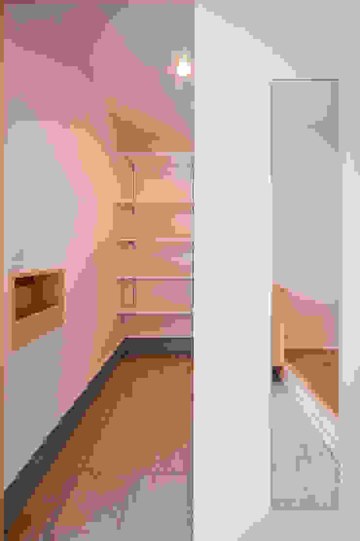 トトロ シューズクローク 和風デザインの 多目的室 の キリコ設計事務所 和風