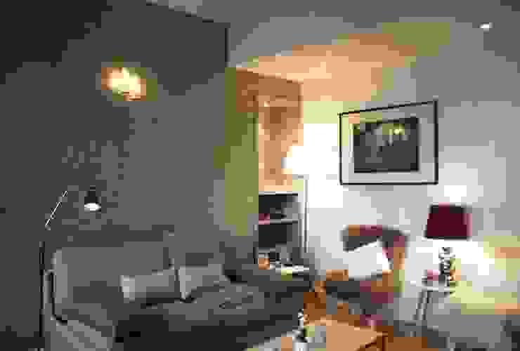 Klasyczny salon od NUTS & Architects Klasyczny