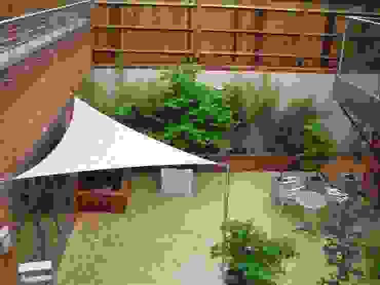 Various Shade Ideas Balcones y terrazas minimalistas de Kemp Sails LTD Minimalista