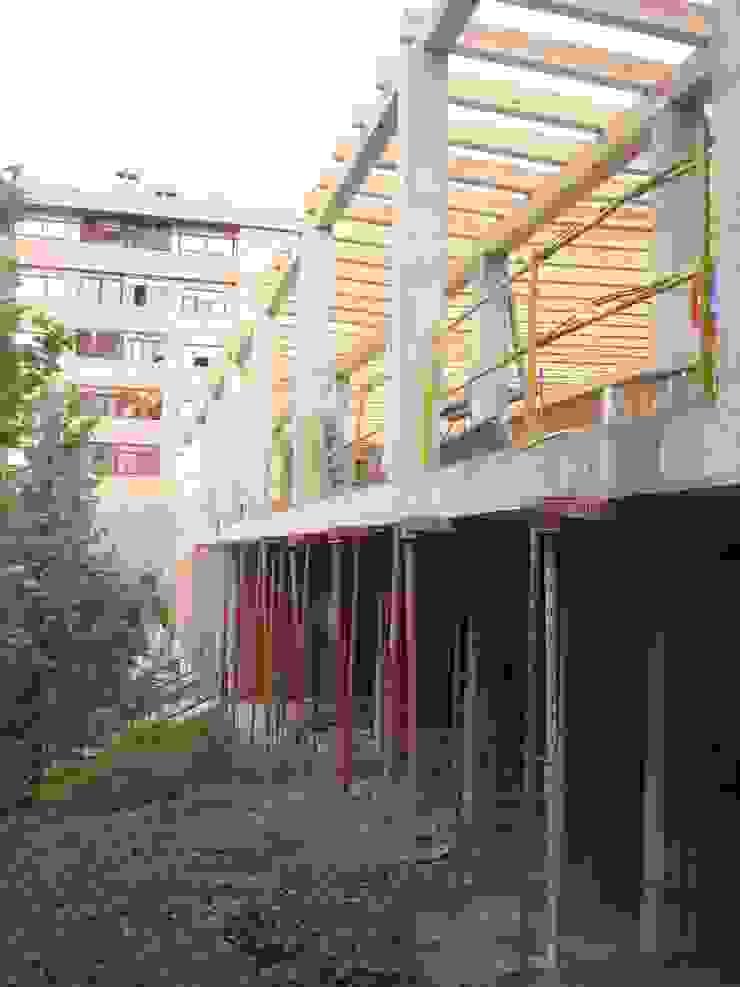 Centro Social en Barrio sin recursos. Interior y Exterior unidos. de Arte y Vida Arquitectura