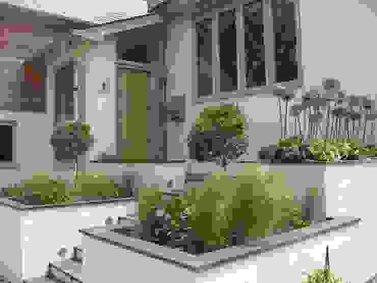 IJLA - Chic Garden Jardines de estilo moderno de IJLA Moderno