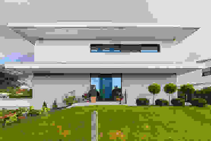 opEnd house – Single Family House in Lorsch, Germany Nowoczesne domy od Helwig Haus und Raum Planungs GmbH Nowoczesny