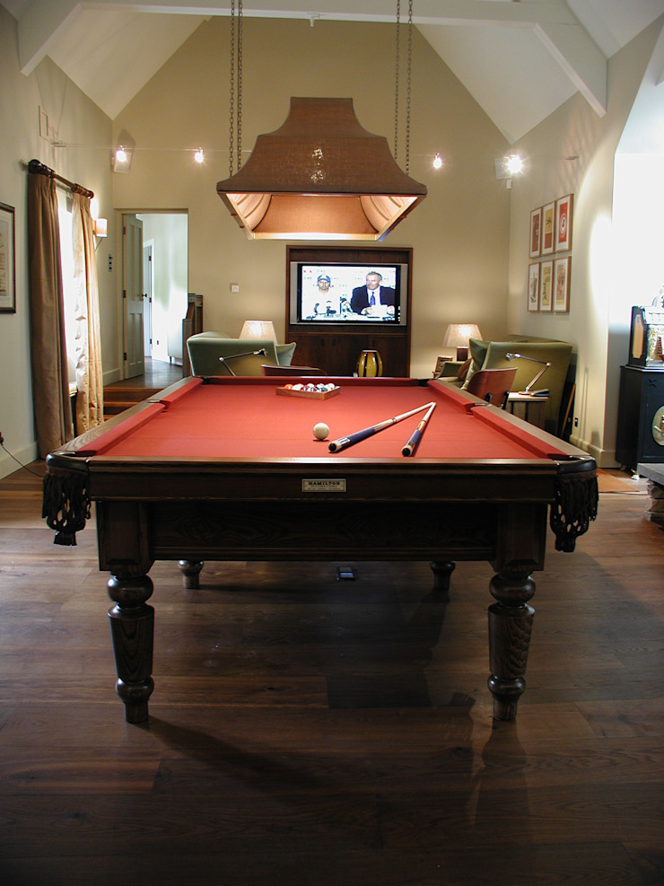 9 ft Watler Snooker/Pool Table: classic  by HAMILTON BILLIARDS & GAMES CO LTD, Classic