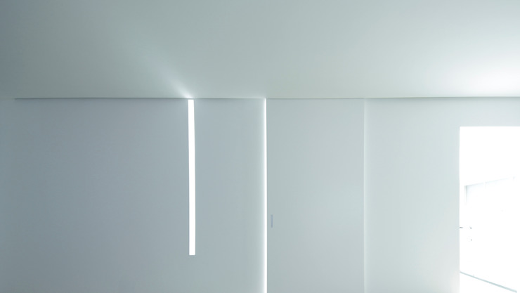 House for Installation ミニマルデザインの リビング の Jun Murata   JAM ミニマル