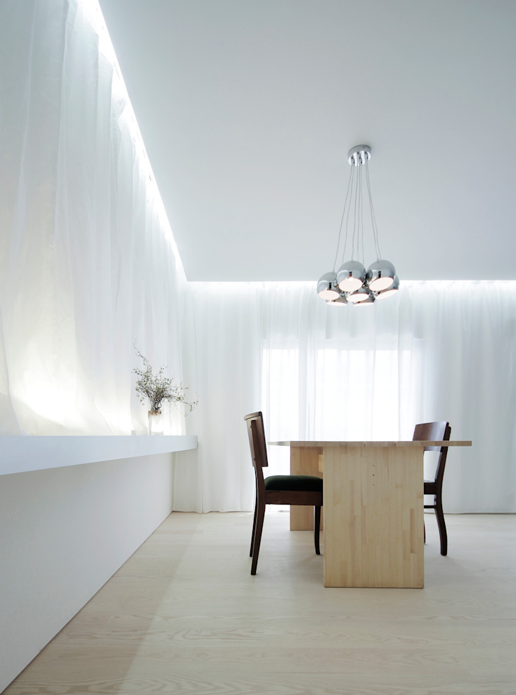 House for Installation ミニマルデザインの ダイニング の Jun Murata   JAM ミニマル