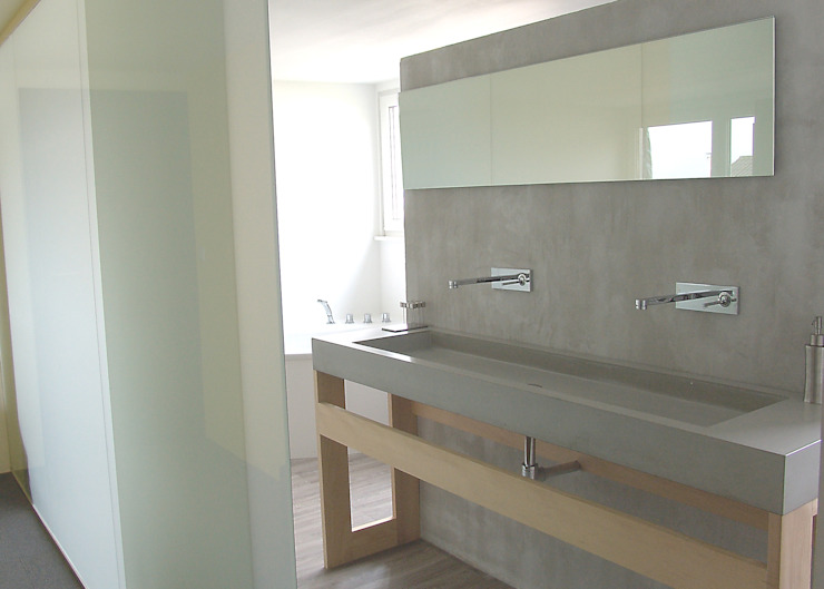 Form in Funktion / UrbanDesigners Minimalist style bathrooms