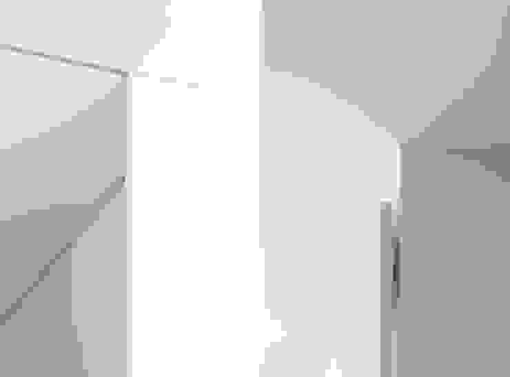 House for Installation ミニマルな 窓&ドア の Jun Murata   JAM ミニマル