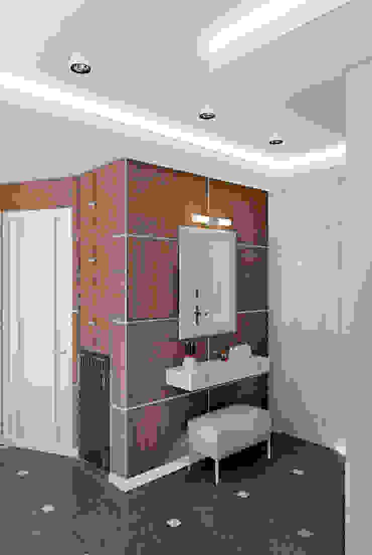 трехкомнатная квартира в г.Железнодорожном Коридор, прихожая и лестница в эклектичном стиле от 'Лайф Арт' Эклектичный
