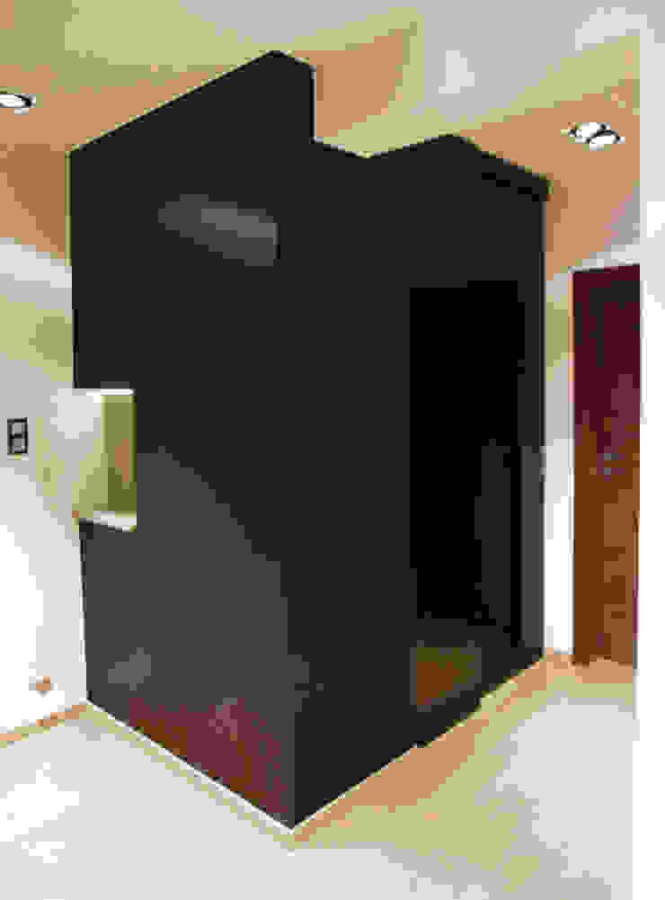 4Q DEKTON Pracownia Architektoniczna Mediterranean corridor, hallway & stairs