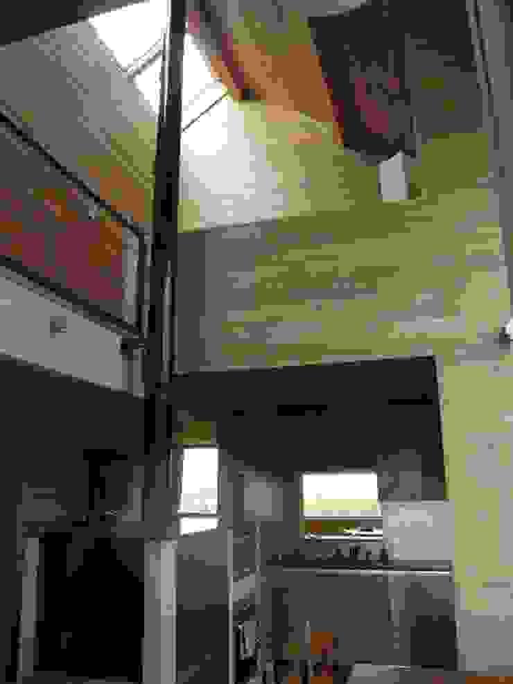 Moderne Küchen von Atelier d'architecture François Misonne Modern