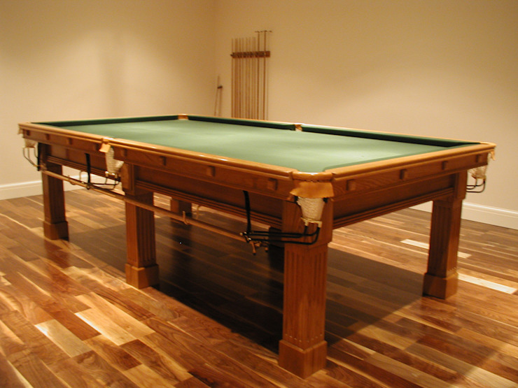 9 ft Fabio Snooker/Pool Table in oak with green cloth.: classic  by HAMILTON BILLIARDS & GAMES CO LTD, Classic