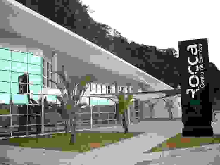 LA ROCCA CENTRO DE EVENTOS Centros de congressos modernos por Mascarenhas Arquitetos Associados Moderno
