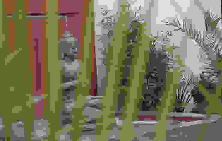 The Buddha Garden Modern garden by Robert Hughes Garden Design Modern
