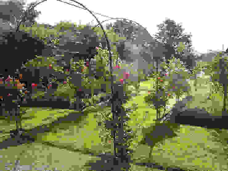 IJLA – Manor House Wiejski ogród od IJLA Wiejski