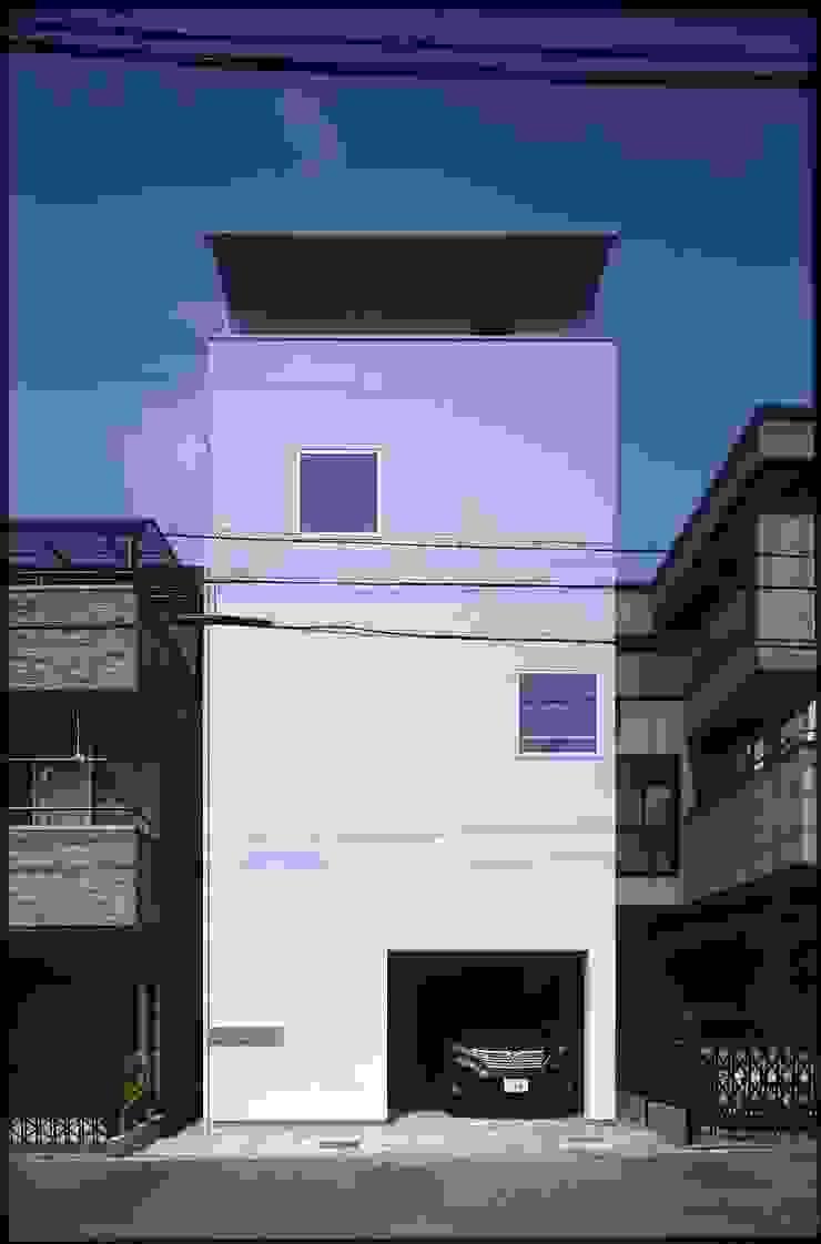 Minimalist houses by ARCHIXXX眞野サトル建築デザイン室 Minimalist