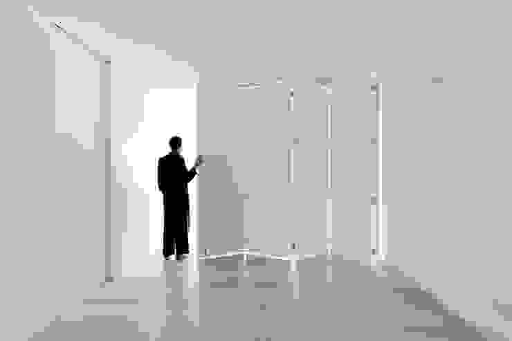 appart Sala multimediale minimalista di stefano riva architetto Minimalista