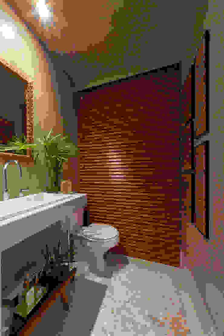 1301 Banheiros modernos por IE Arquitetura + Interiores Moderno