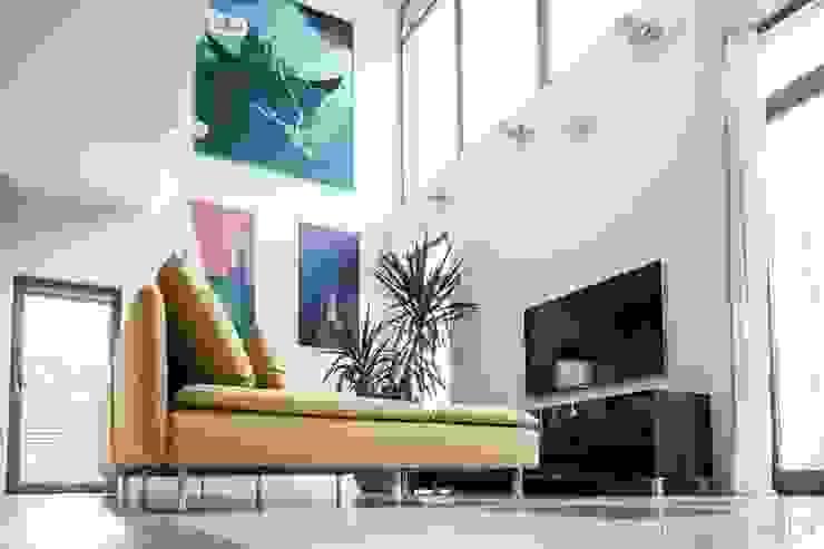 Salon Minimalistyczny salon od Atelier Słowiński Minimalistyczny