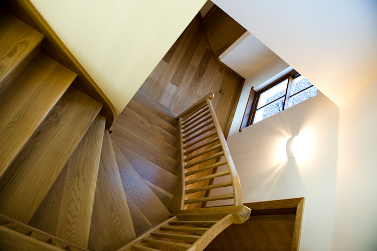 Woodhead Croft, Maryculter, Aberdeen Modern corridor, hallway & stairs by Roundhouse Architecture Ltd Modern
