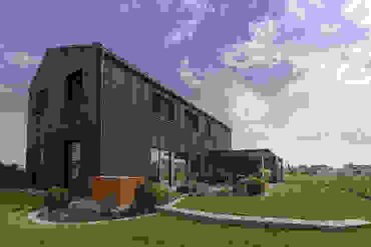 Süd-West Ecke homify Moderne Häuser