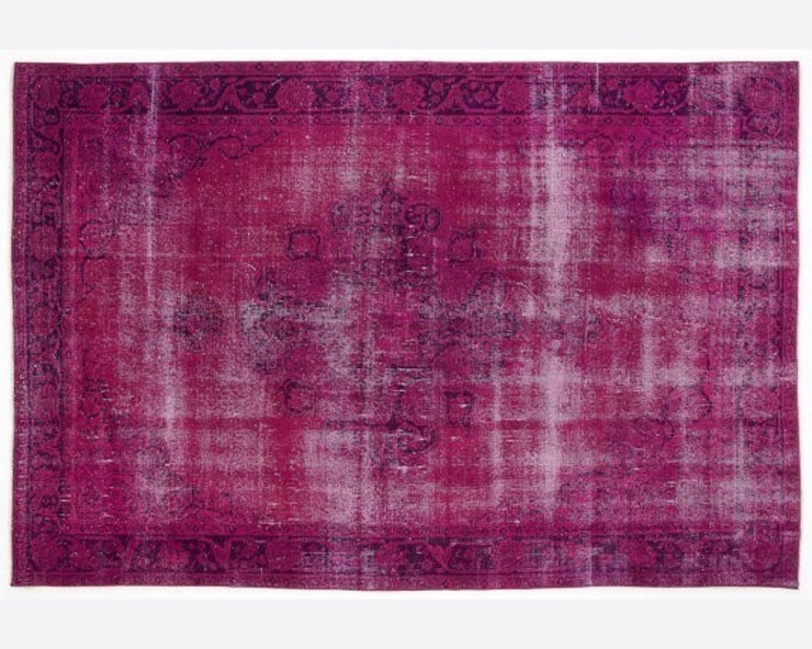 Vintage Handmade Over-dyed Rug In Fuchsia 001 All the hues SalonAccessoires & décorations