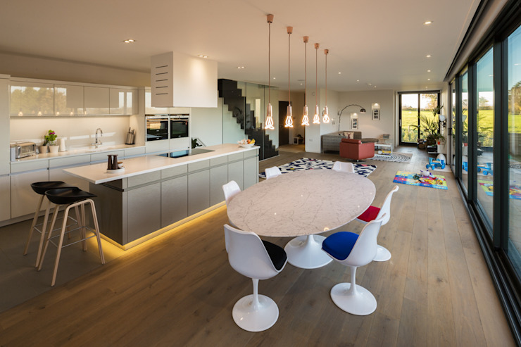 Sandpath Modern living room by Adrian James Architects Modern