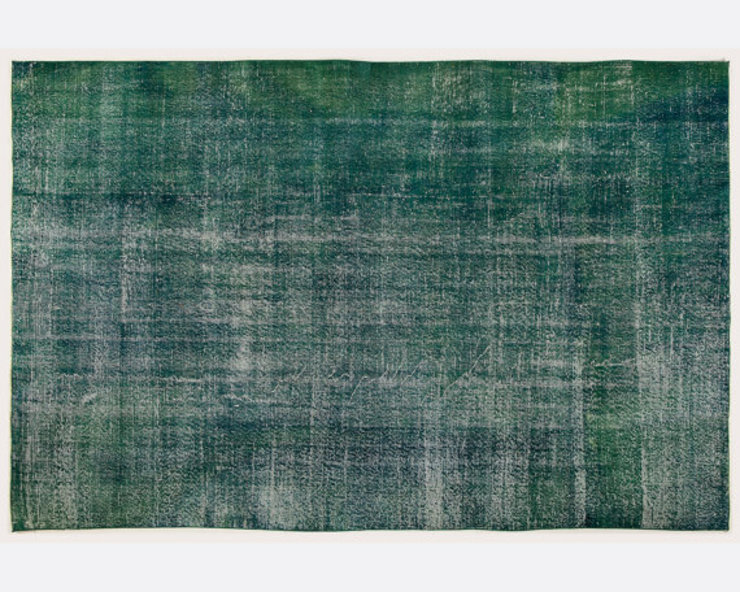 Vintage Handmade Over-dyed Rug In Emerald Green All the hues SalonAccessoires & décorations