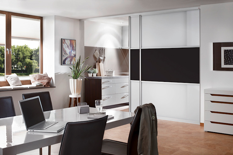 Classic style study/office by Elfa Deutschland GmbH Classic