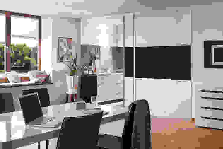 Estudios y oficinas de estilo  por Elfa Deutschland GmbH , Clásico