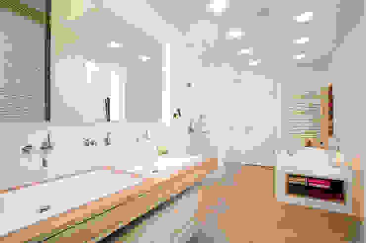 Baños de estilo  de SNAP Stoeppler Nachtwey Architekten BDA Stadtplaner PartGmbB, Moderno