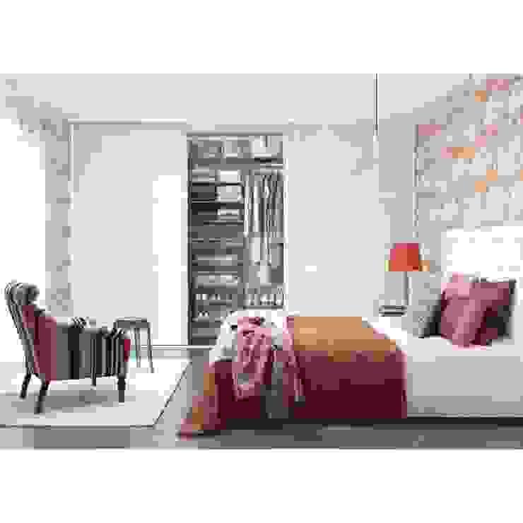 Camera da letto moderna di Elfa Deutschland GmbH Moderno